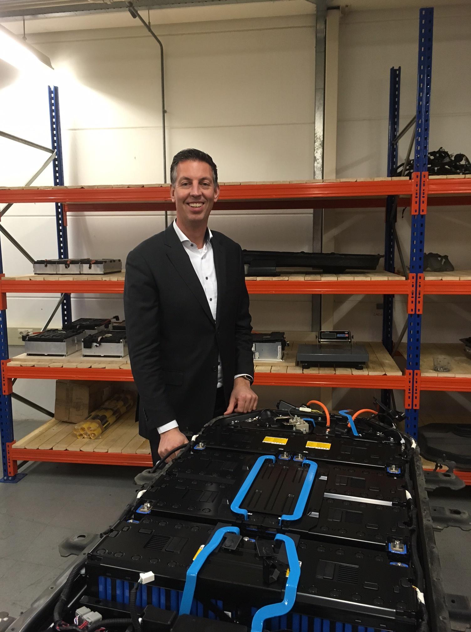 Mitsubishi-dealer Peter Ursem wordt accurecycler